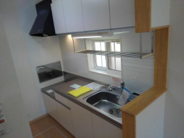 ブランミュールD 01030号室のキッチン