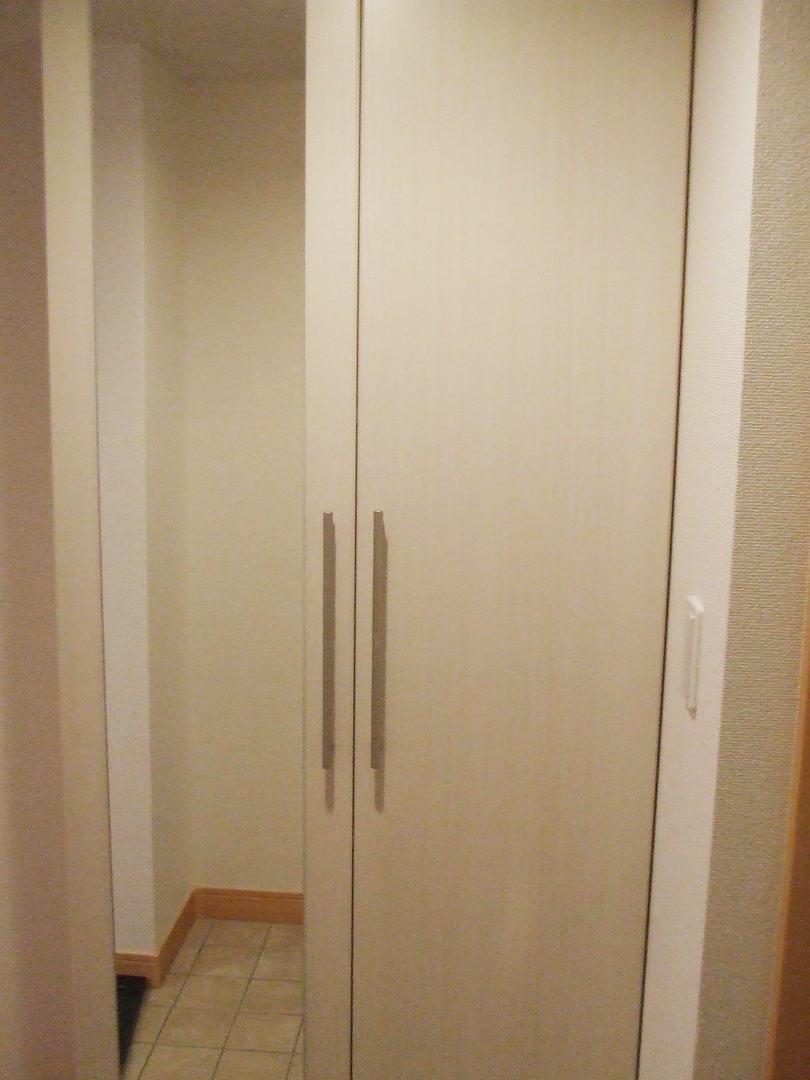 ボニート春日部 04030号室の玄関