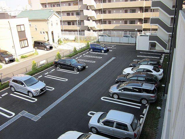 ボニート春日部 04030号室の駐車場
