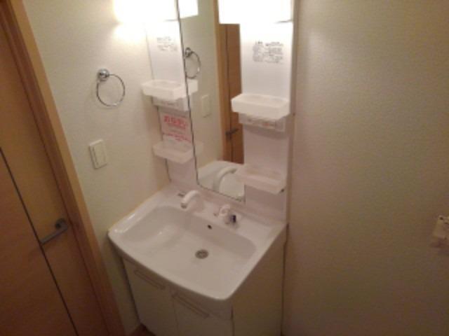 アンジェニュ 02040号室の洗面所