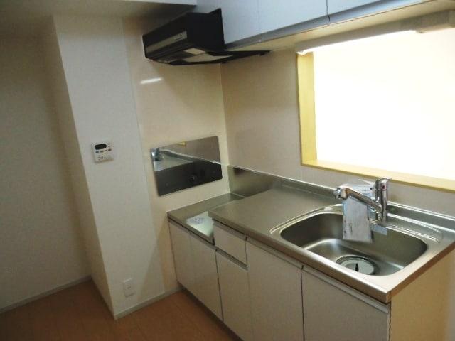 ジェルメ・メゾン 02030号室のキッチン