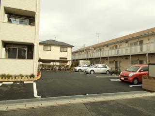 ジェルメ・メゾン 02030号室の駐車場