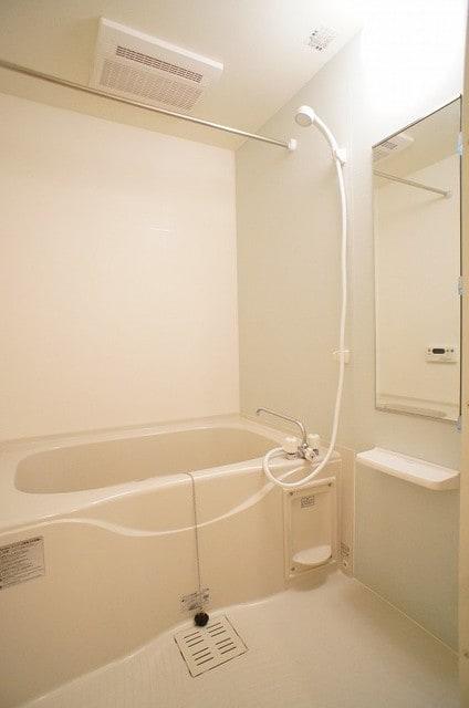 アンジュ・プレッソB 02010号室の風呂