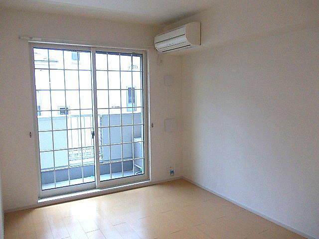 グランデ・オルソⅡ 01050号室のバルコニー