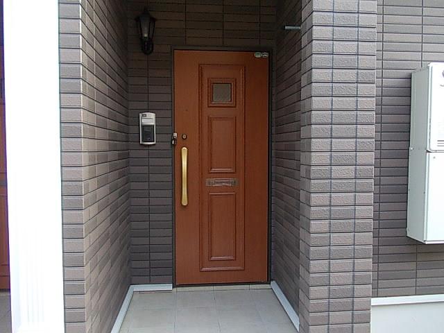 グランデ・オルソⅡ 01050号室のエントランス