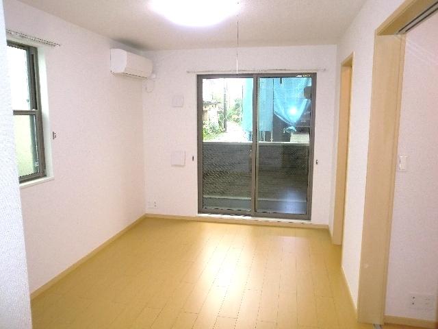フレール与野本町参番館 01010号室の居室