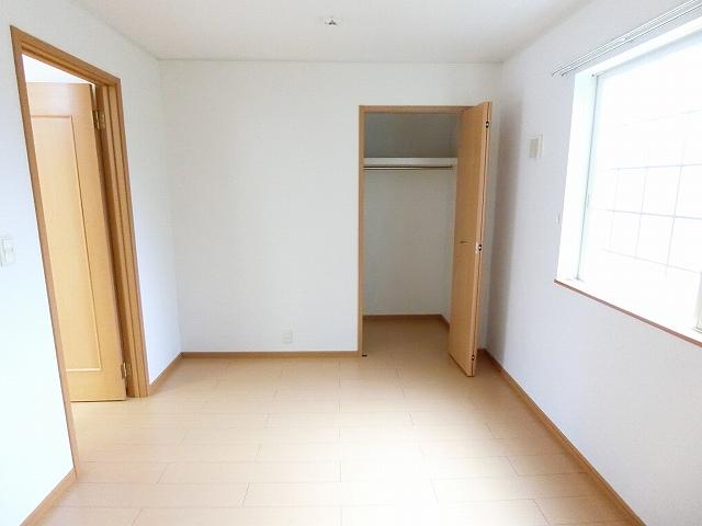 プリムローズ 01010号室の収納
