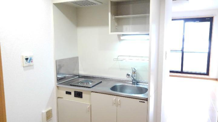 メゾンシャルマン 03010号室のキッチン