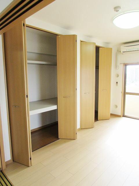 シャン・ド・フル-ル 06100号室の収納