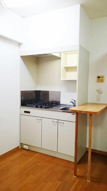 シャン・ド・フル-ル 08090号室のキッチン