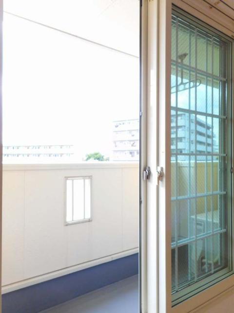 グレイス・パークB 02010号室のバルコニー