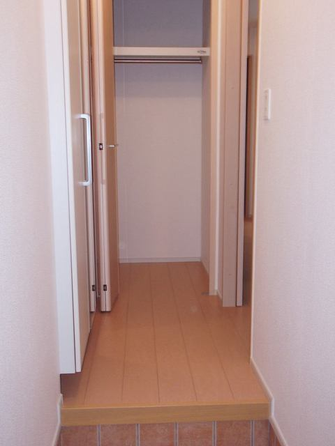 サンリット・セレノ 01030号室の玄関