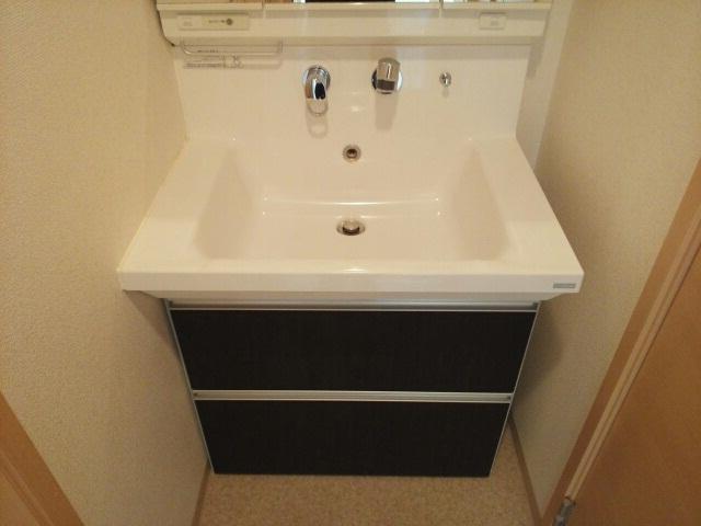 ティン・グローブⅢ 04030号室の洗面所