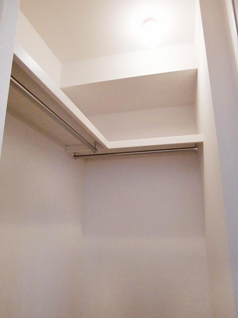 ラポールⅡ 01020号室の収納