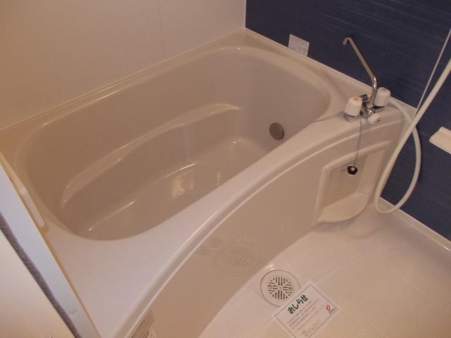 ラポールⅡ 02020号室の風呂