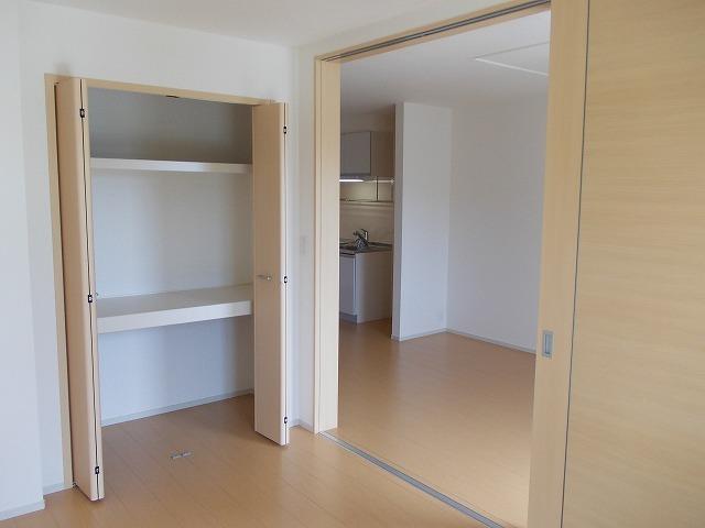ラポールⅡ 02020号室の収納