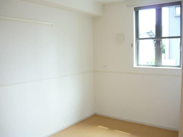 サンブリーズB 02030号室の居室