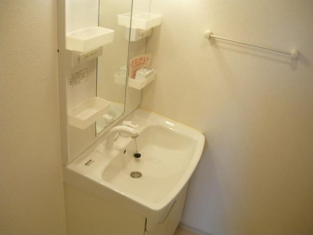 サンブリーズB 02030号室の洗面所