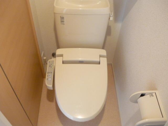 サンブリーズB 02030号室のトイレ