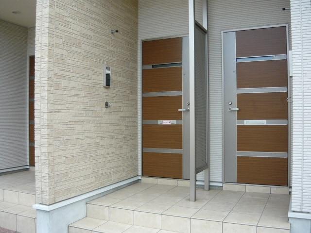 サンブリーズB 02030号室の玄関