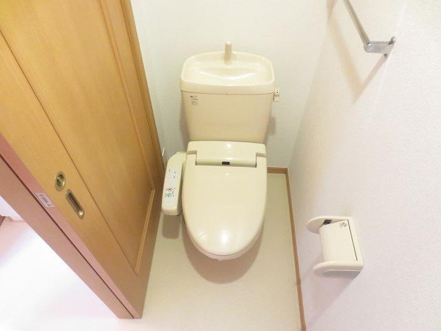 サニー・パークサイド 01020号室のトイレ