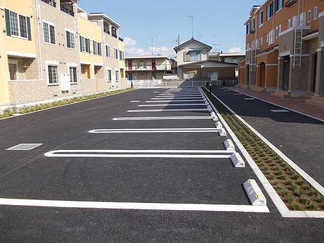 サンエスポワールⅠ 02050号室の駐車場