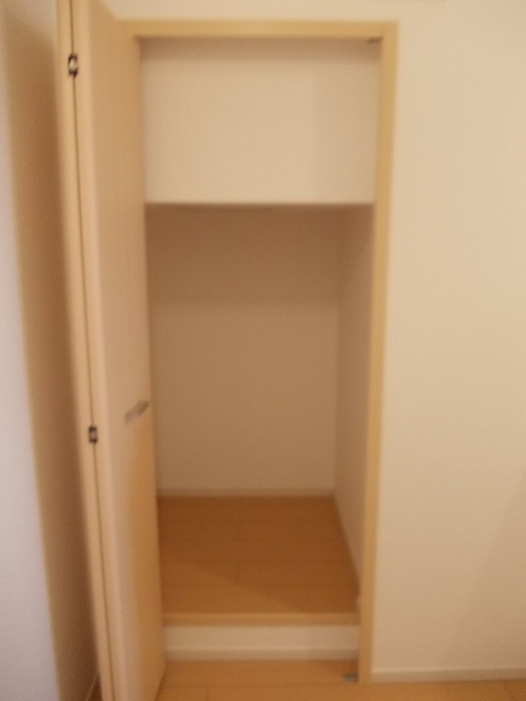 サンエスポワールⅠ 02050号室の収納