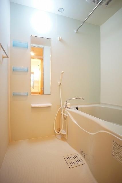 リジエルB 01010号室の風呂