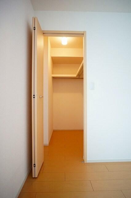 リジエルB 01010号室の収納