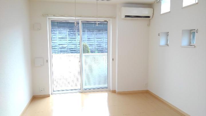 クレセント ルーン 01040号室の居室