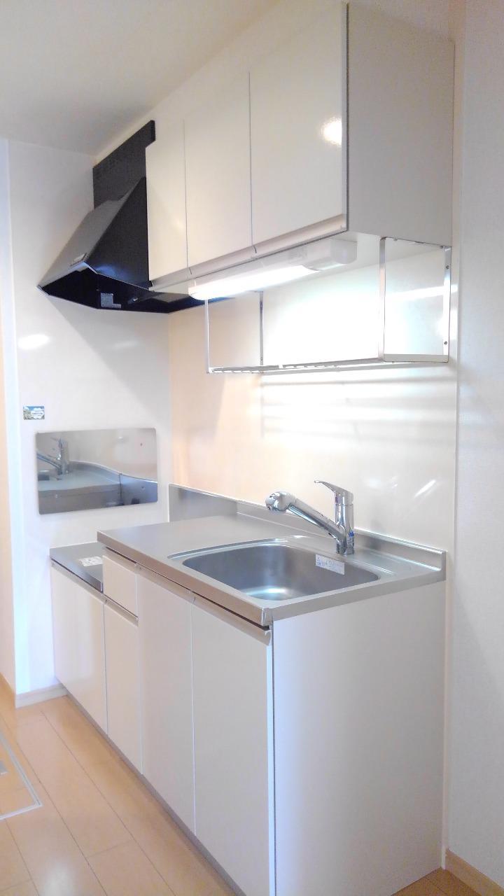 クレセント ルーン 01040号室のキッチン