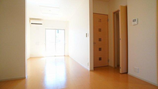 グラシオッソ 01020号室のリビング