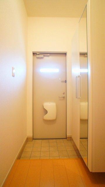グラシオッソ 01020号室の玄関