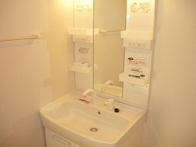 グラシオッソ 02040号室の洗面所