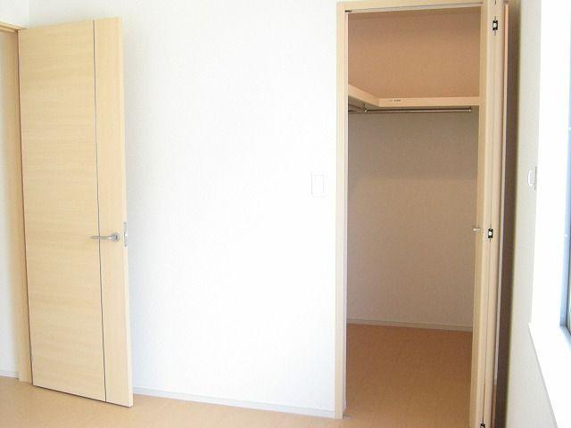グラシオッソ 02040号室の収納