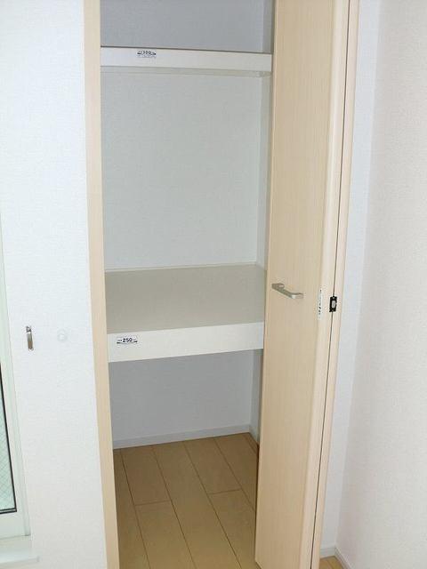 プロムナードヴィラ 02010号室の収納