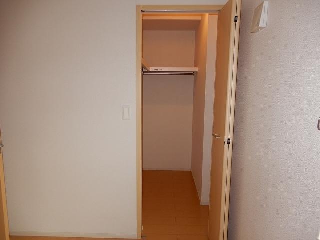 トルナーレ 01020号室の収納