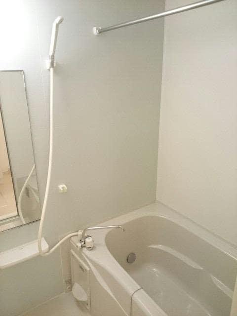 サンヴィレッジE 02010号室の風呂