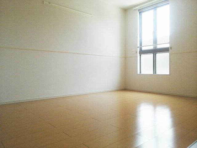 サニーパレスⅡ 02010号室の居室