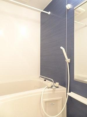京 02010号室の風呂