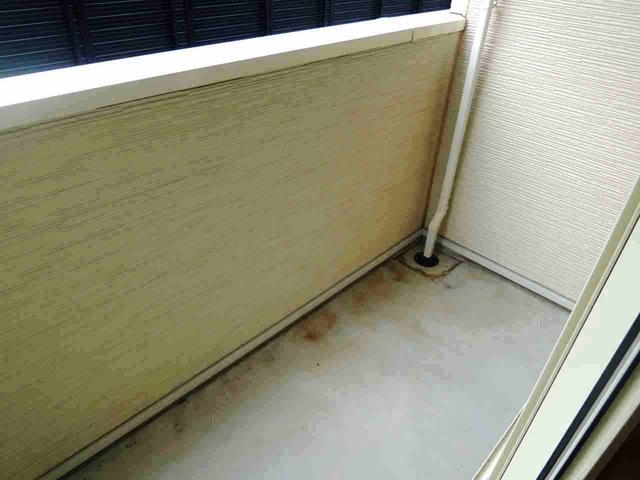 レメゾン参番館 01020号室のバルコニー