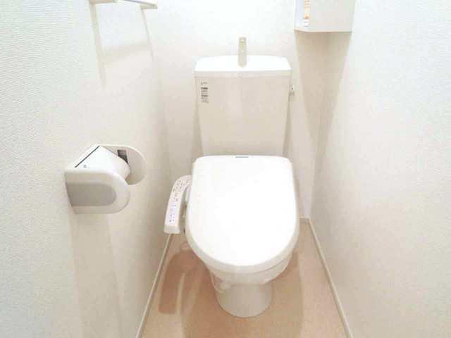 レメゾン参番館 01020号室のトイレ