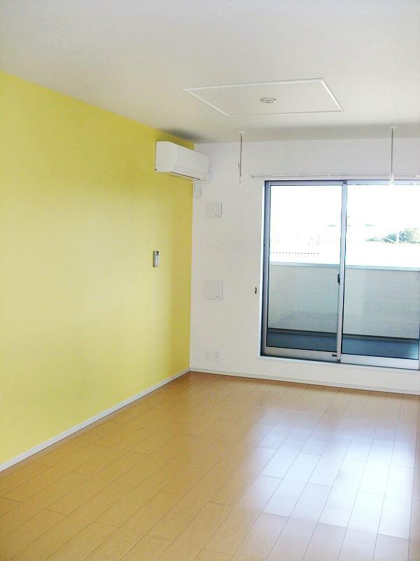 サンクメゾンTA 02030号室のリビング