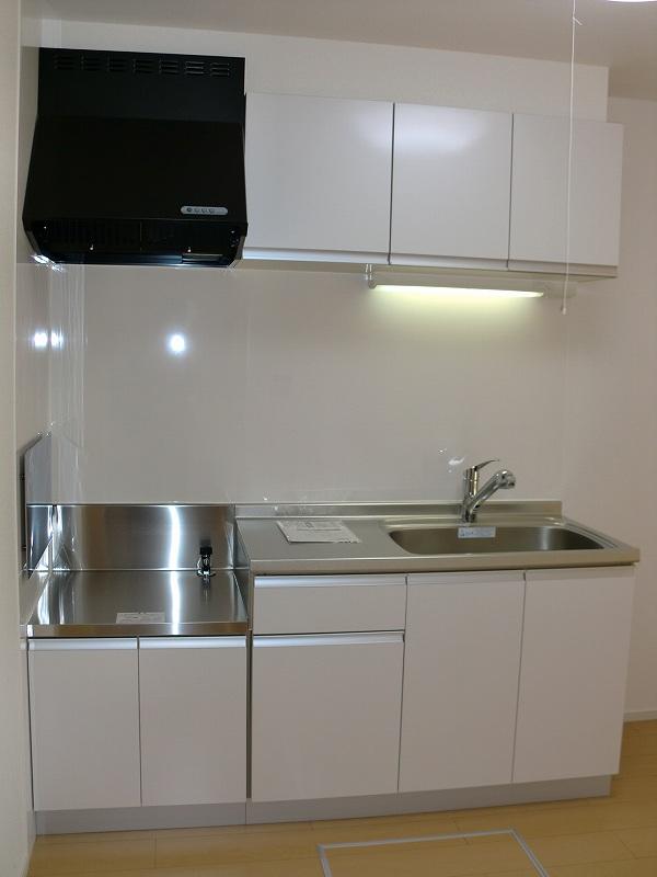 エコ ソラージュA 01020号室のキッチン
