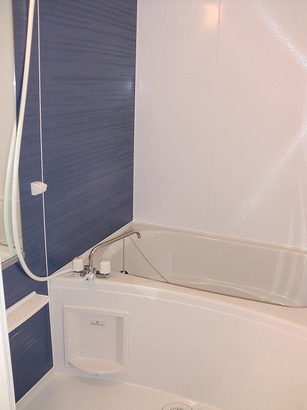 エコ ソラージュA 01020号室の風呂
