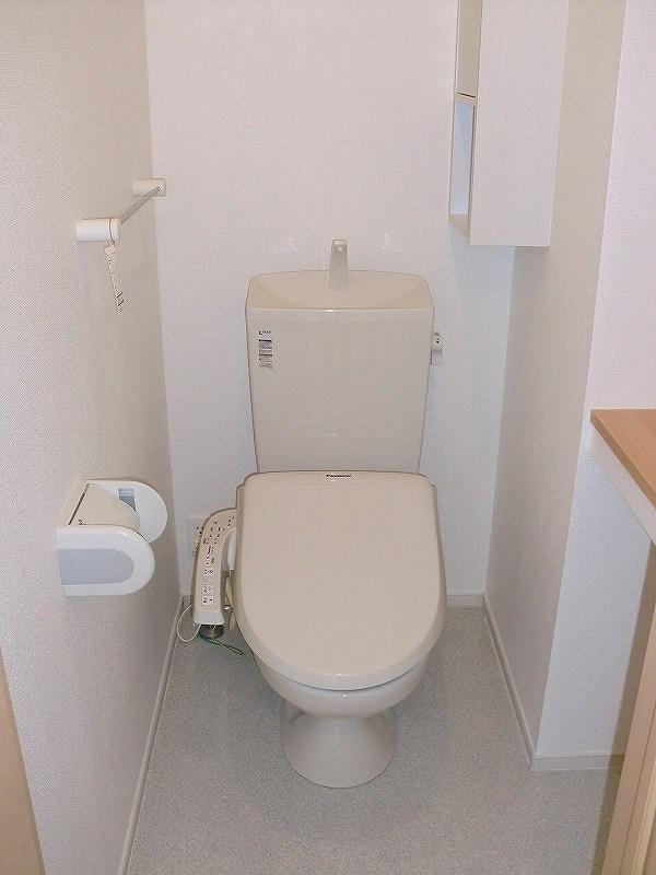 エコ ソラージュA 01020号室のトイレ