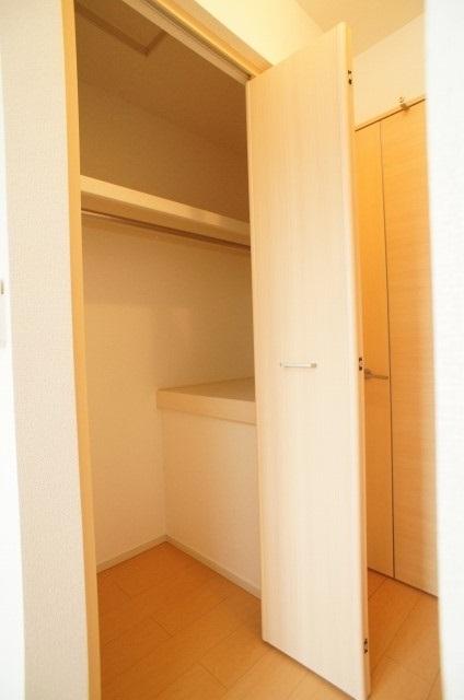 ラポ-ル Ⅲ 02040号室の収納