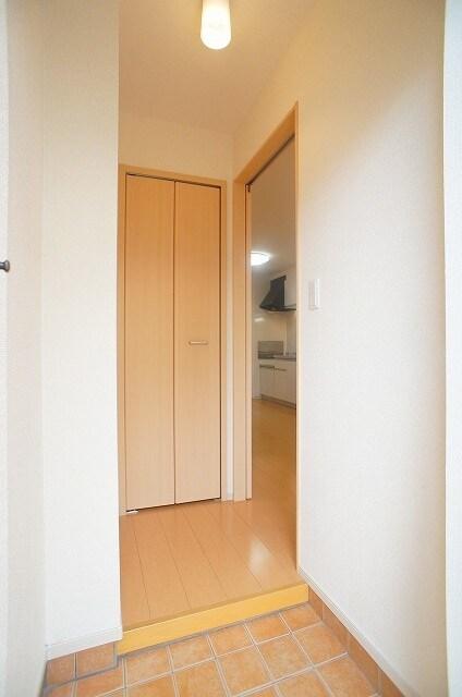 ビスキーローズ 01020号室の玄関