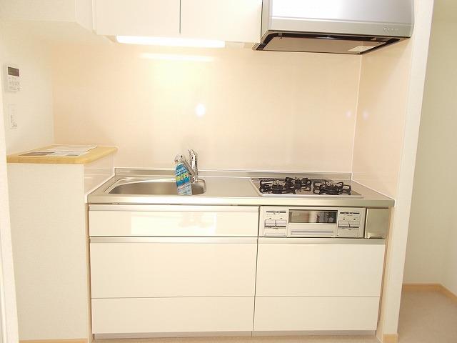 グランドレ-ル高崎 03010号室のキッチン