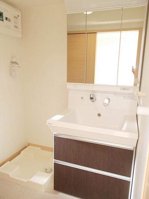 グランドレ-ル高崎 03010号室の洗面所